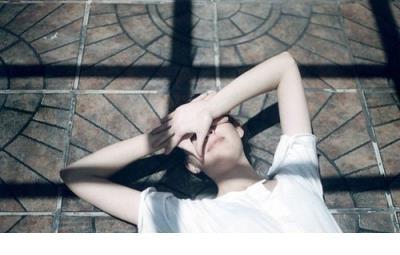 最深的孤独不是长久的一个人,而是心里没有了任何期望