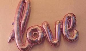 qq空间宣布恋爱的说说 空间说说大全爱情